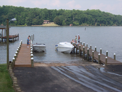 AMENITIES AT AQUIA BOAT STORAGE